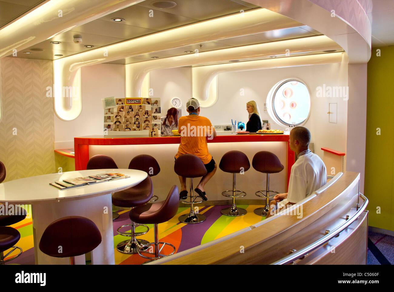 Vibe, a teen club on Disney Dream cruise ship - Stock Image