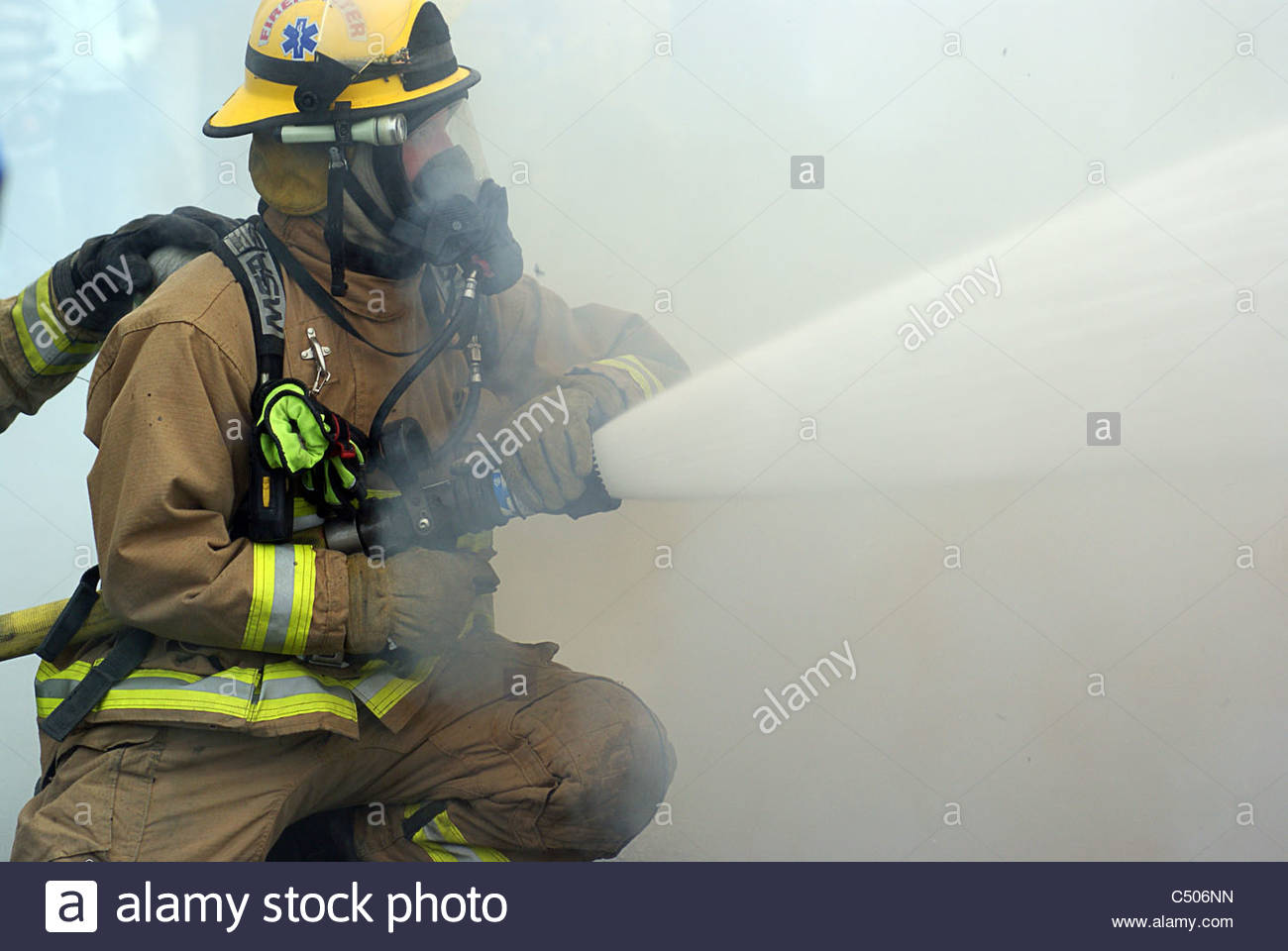 Pictures of fireman in action — photo 2