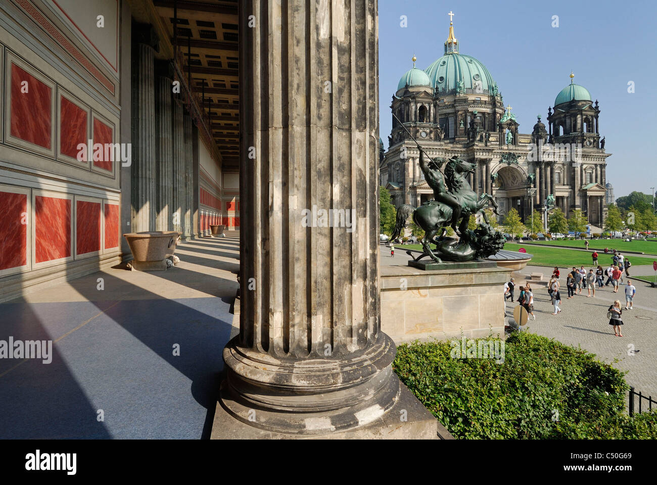 Berlin. Germany. Altes Museum (foreground) & the Berliner Dom / Cathedral, Lustgarten. - Stock Image