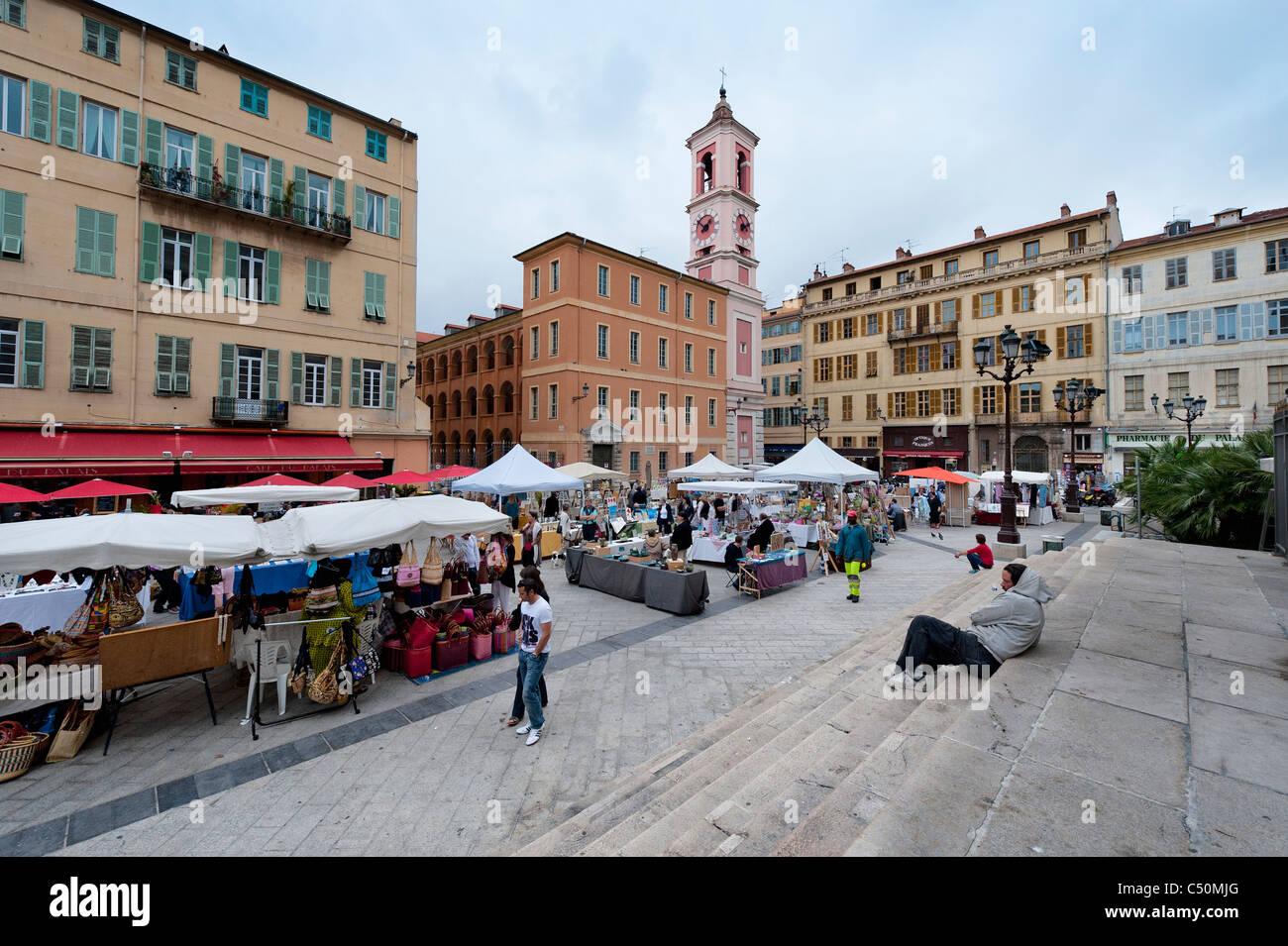 Market in Place du Palais-de-Justice, Nice, France - Stock Image
