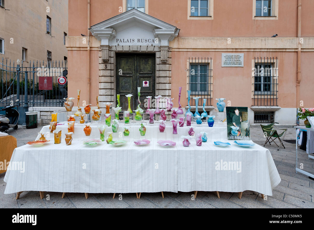 Market stall in Place du Palais-de-Justice, Nice, France - Stock Image