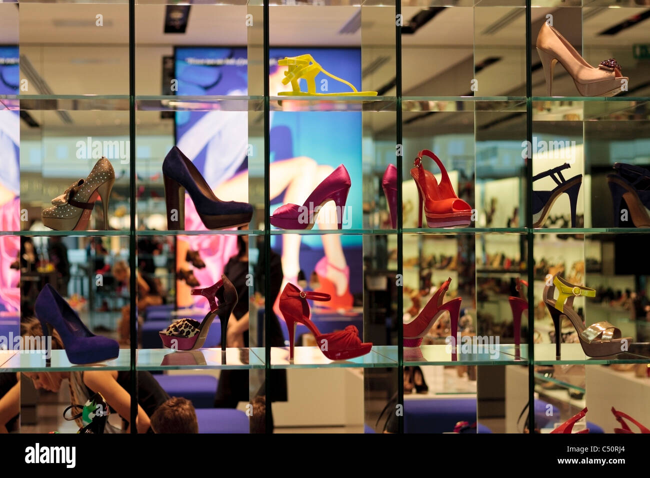 Sheffield Shoe Shops Of The  S