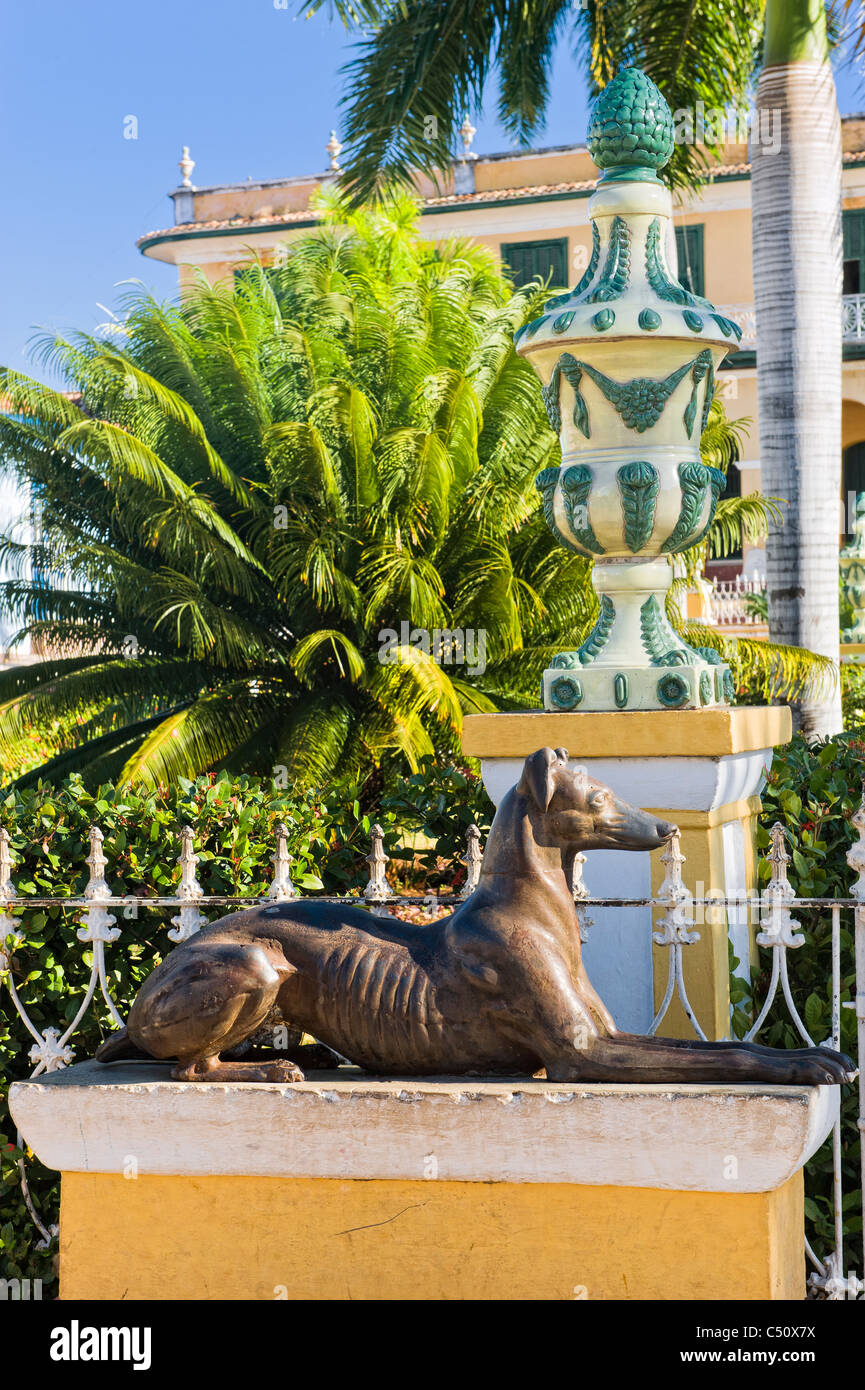 Statue Of Greyhound Stock Photos Amp Statue Of Greyhound