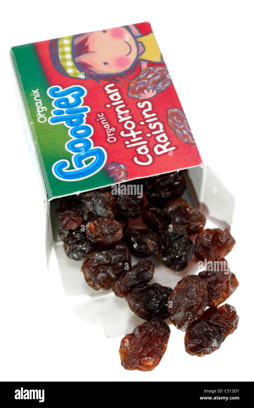 14 gram boxed Organix goodies good for kids healthy treats  organic Californian Raisins - Stock Image