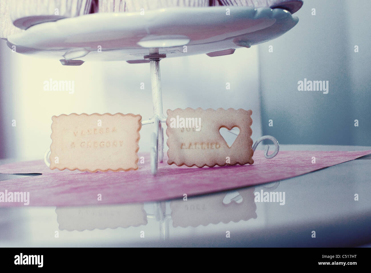 Cookies with 'Just Married' phrase and heart - Stock Image