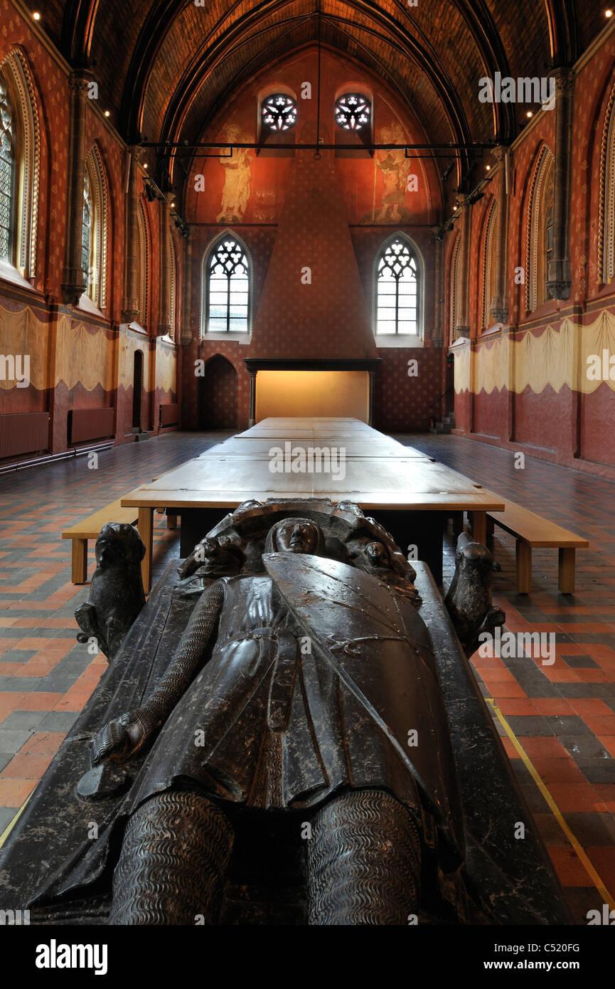 Gravestone of Hugo II in the Bijloke abbey's refectory at STAM, the Ghent city museum, Belgium - Stock Image