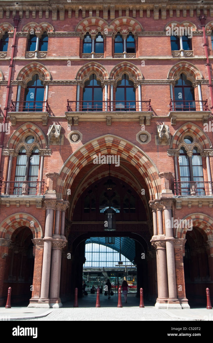Entrance to St. Pancras International station in London, England, UK. - Stock Image