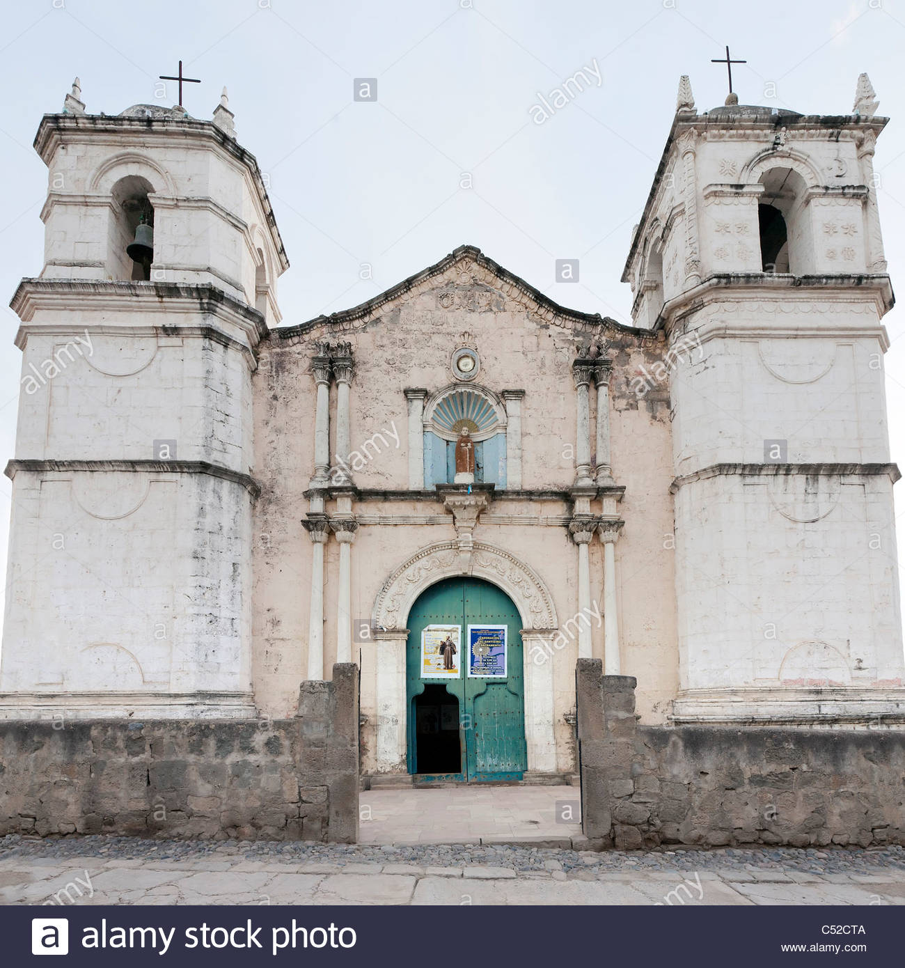 White stone church on the Plaza de Armas in Cabanaconde, Colca Canyon, Peru - Stock Image