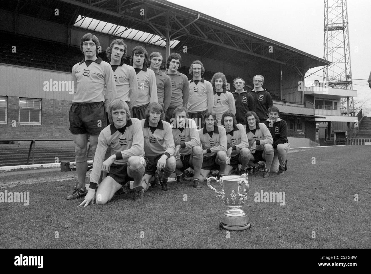 Wolverhampton Wanderers football team with League Cup 1975 - Stock Image