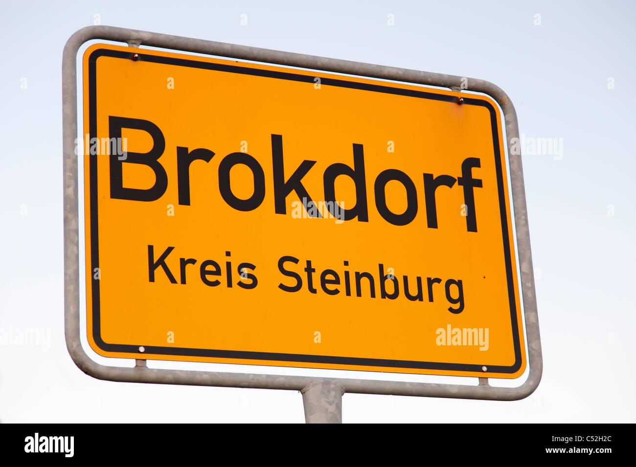 Brokdorf sign; Ortseingangsschild von Brokdorf - Stock Image