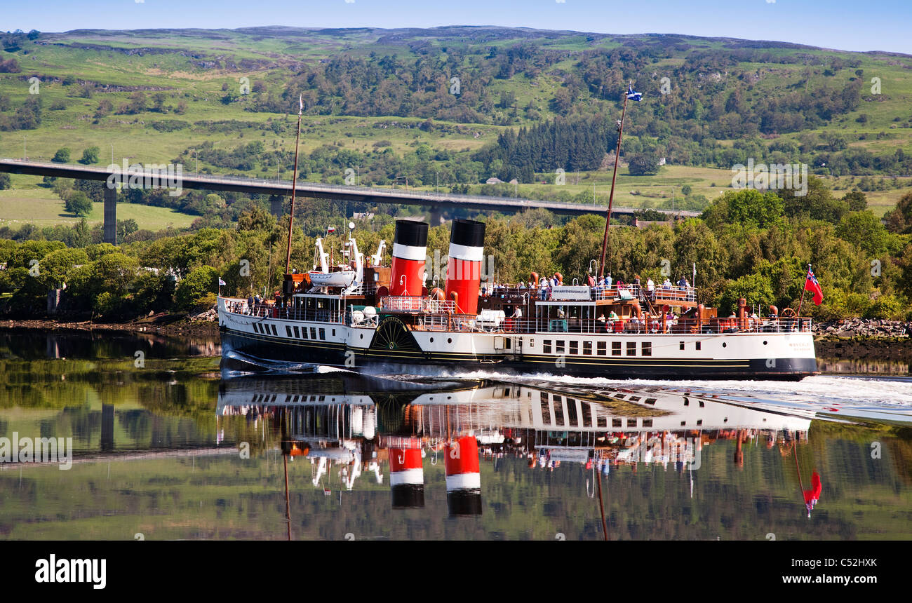 The PS Waverley Paddle Steamer sailing down the River Clyde at Erskine, Scotland. - Stock Image