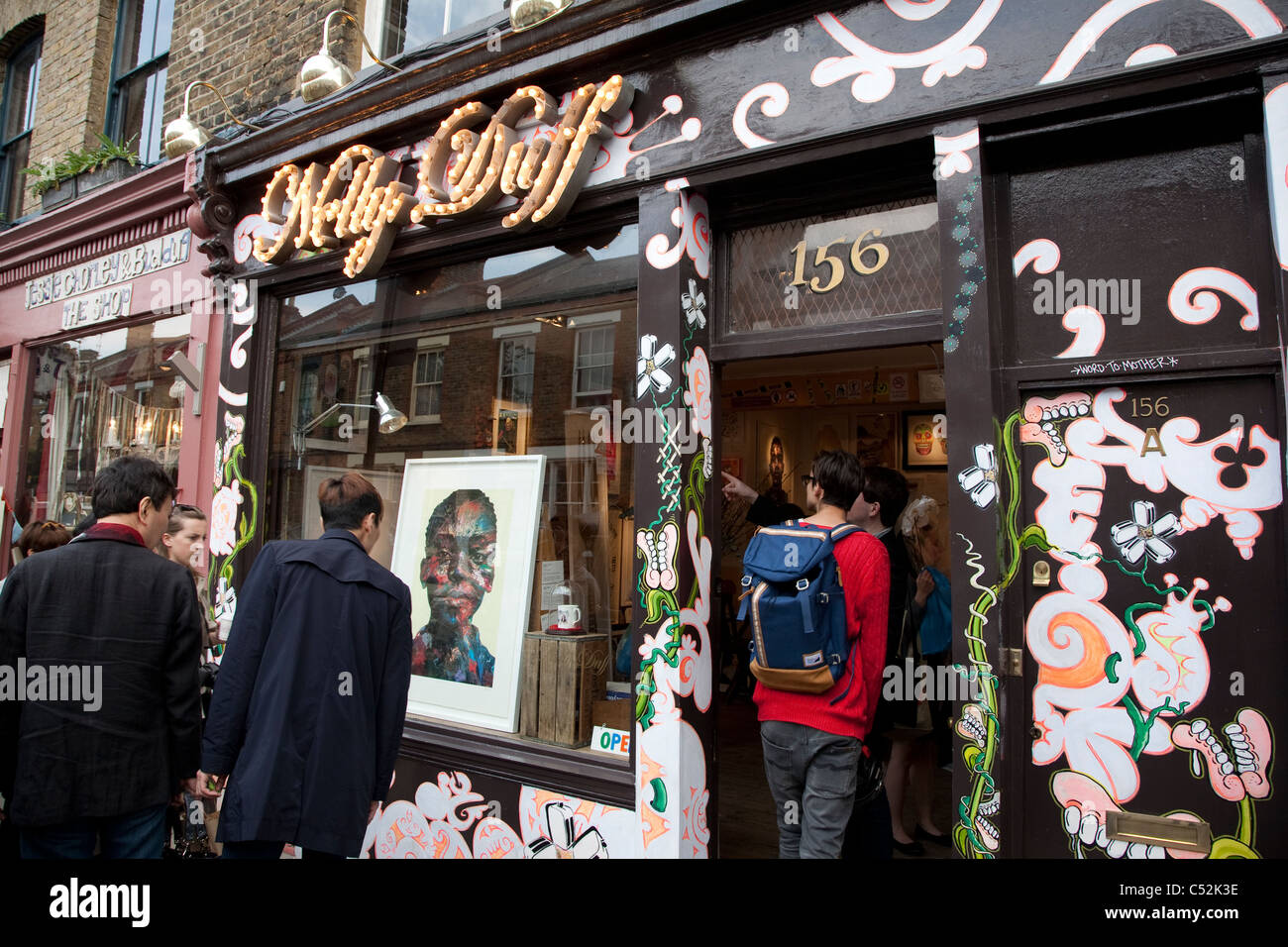 Nelly Duff on Columbia Road, Shoreditch, London - Stock Image