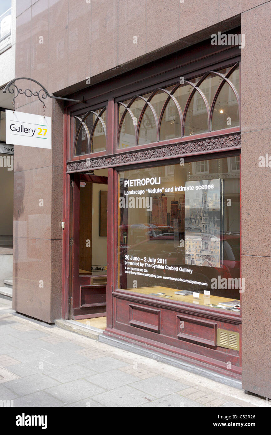 GALLERY 27,based in Cork Street,London`s commercial art sector this gallery can be hired for functions and exhibitions. - Stock Image