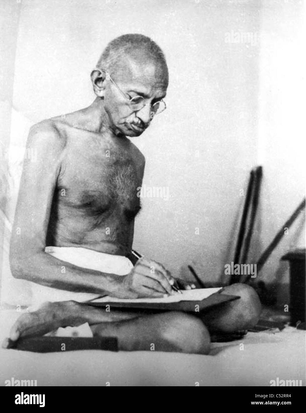 MOHENDRAS GANDHI (1869-1948) Indian political and ideological leader in August 1942 - Stock Image