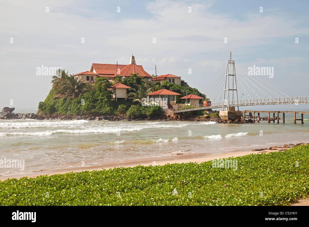 Parey Duwa Buddhist Temple on a small island close to Matara, Sri Lanka, Asia - Stock Image