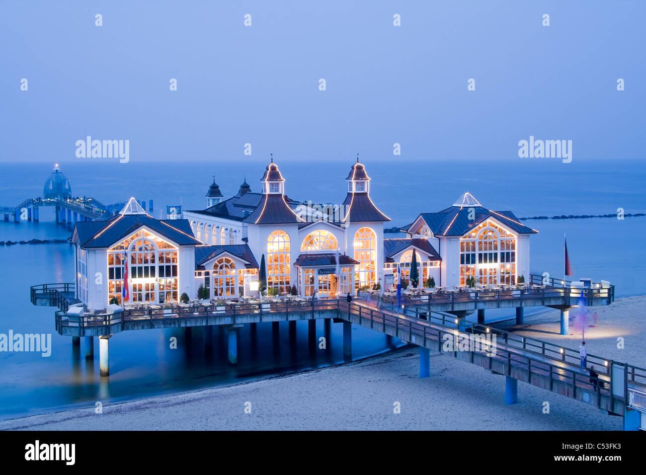 Pier in Sellin, seaside resort on Ruegen Island, evening mood, Baltic Sea, Mecklenburg-Western Pomerania, Germany, Stock Photo