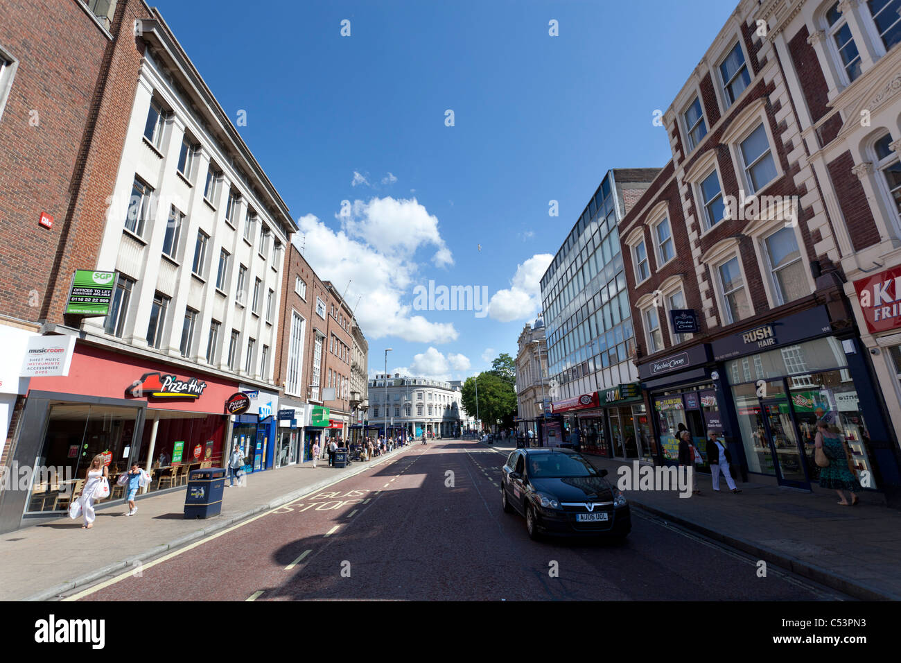 Commercial Road Shopping Street In Portsmouth Stock Photo