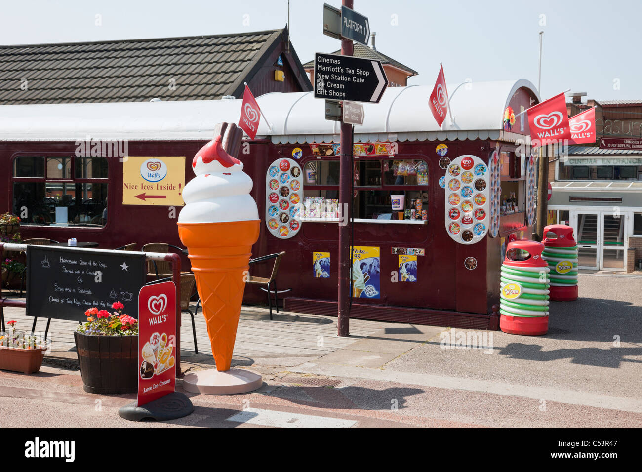Shop selling ice creams in an old train carriage on seaside resort promenade. Lytham St Annes, Lancashire, England, - Stock Image