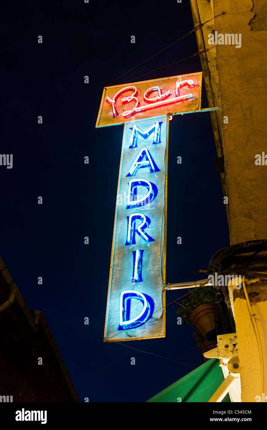Bar Madrid neon sign in Leon, France - Stock Image