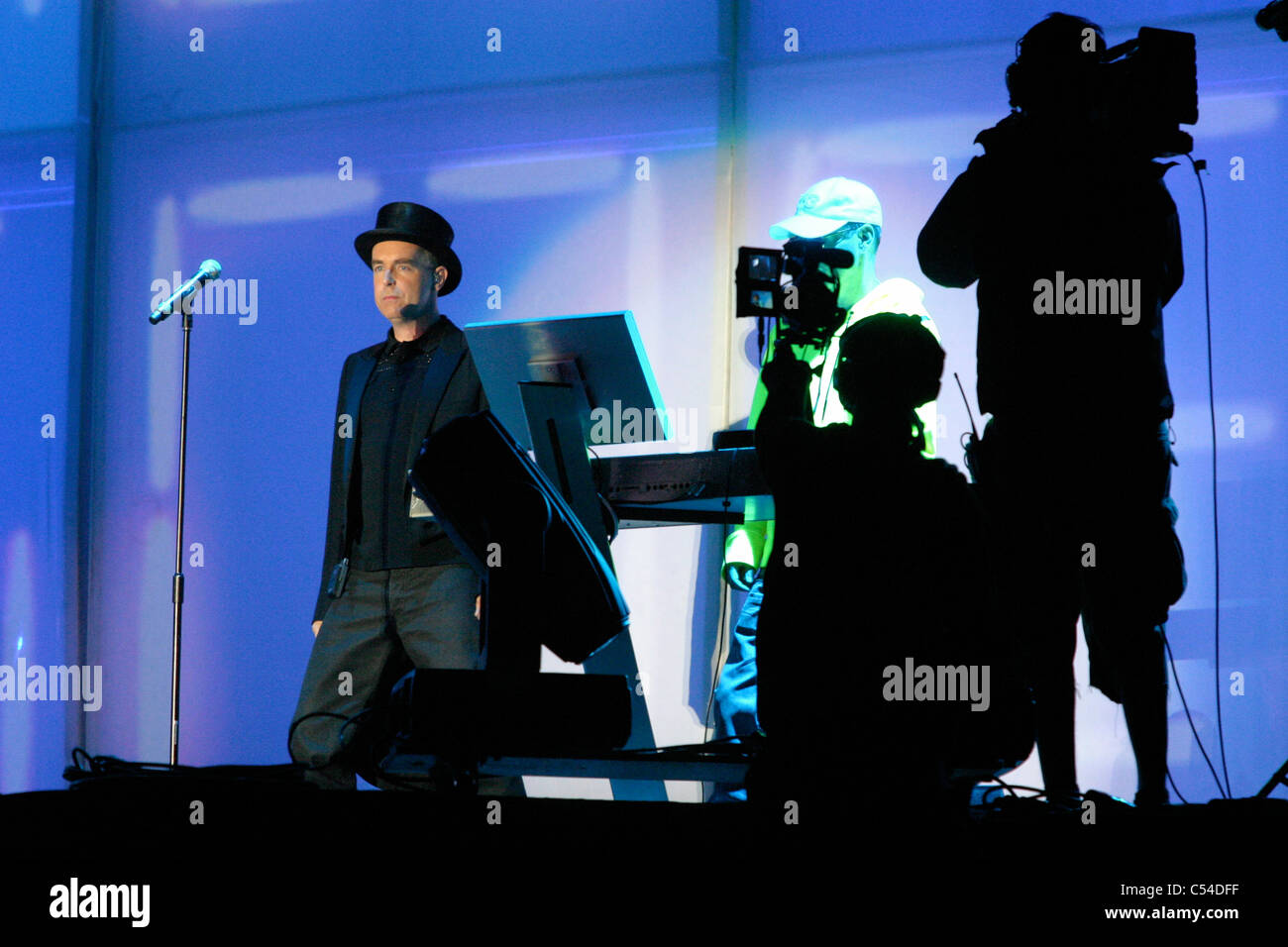 Bestival 2006, Pet Shop Boys, Robin Hill, Isle of Wight, England, UK, Neil Tennant - Stock Image