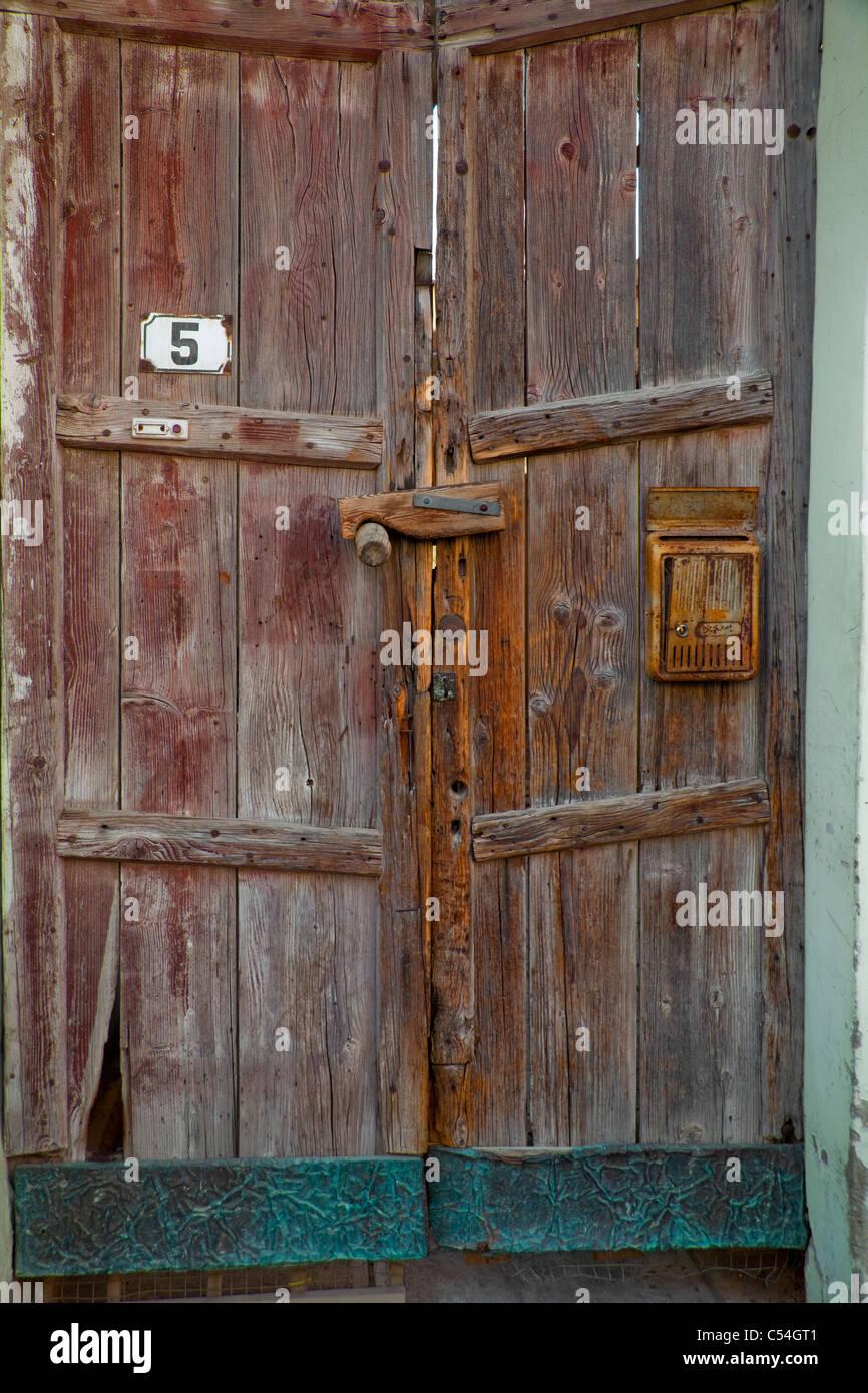 Old Heavy Door In Neve Tzedek Neighbourhood Tel Aviv Israel   Stock Image