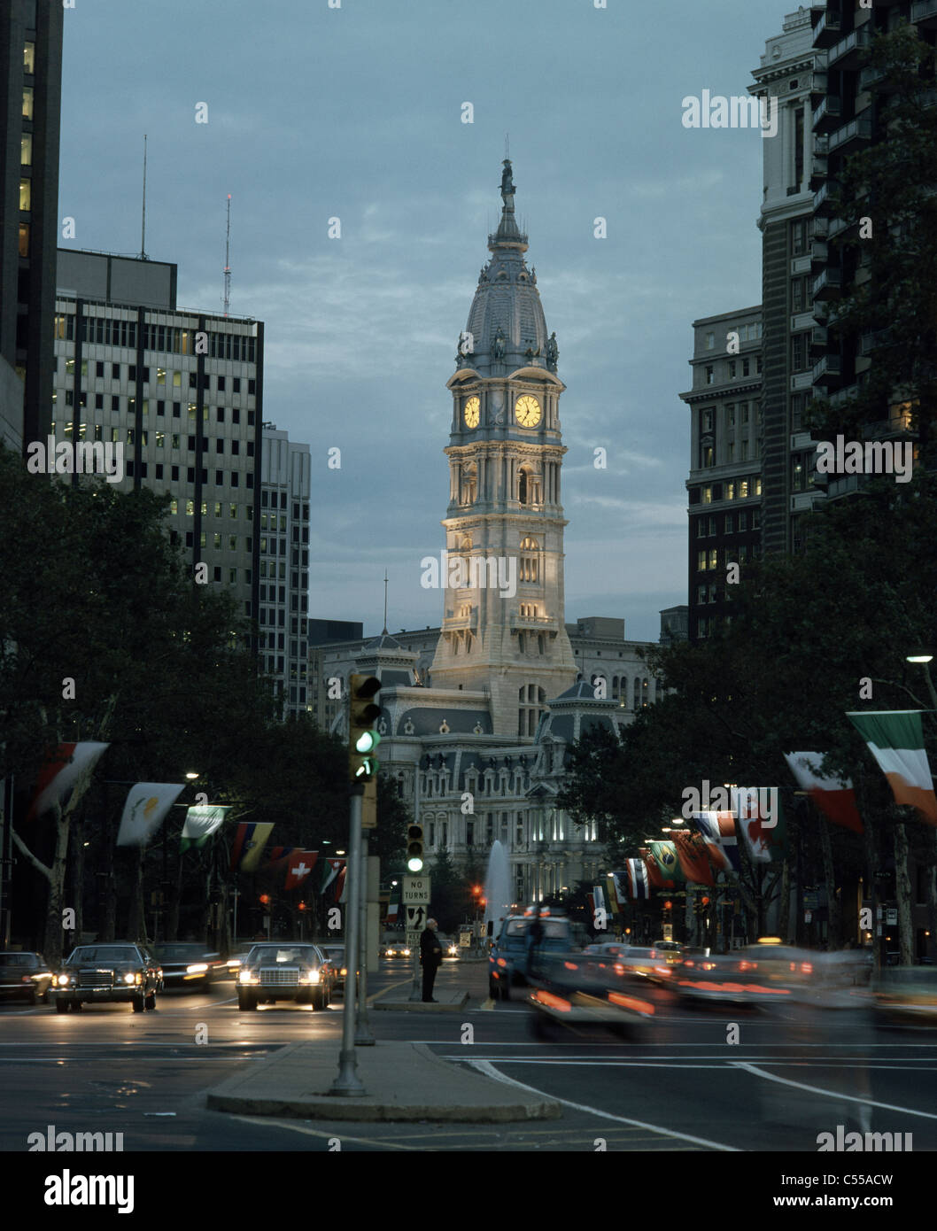 USA, Pennsylvania, Philadelphia, Benjamin Franklin Parkway and City Hall at dusk Stock Photo