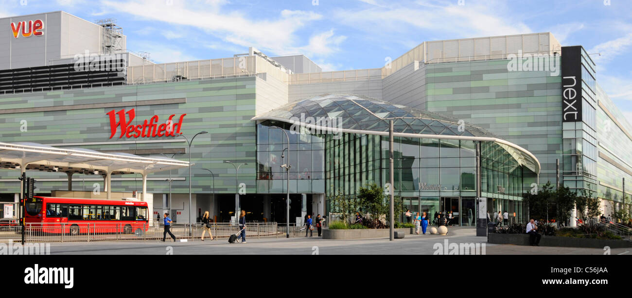 "Westfield shopping centre and part of adjoining ""White City"" bus station Stock Photo"