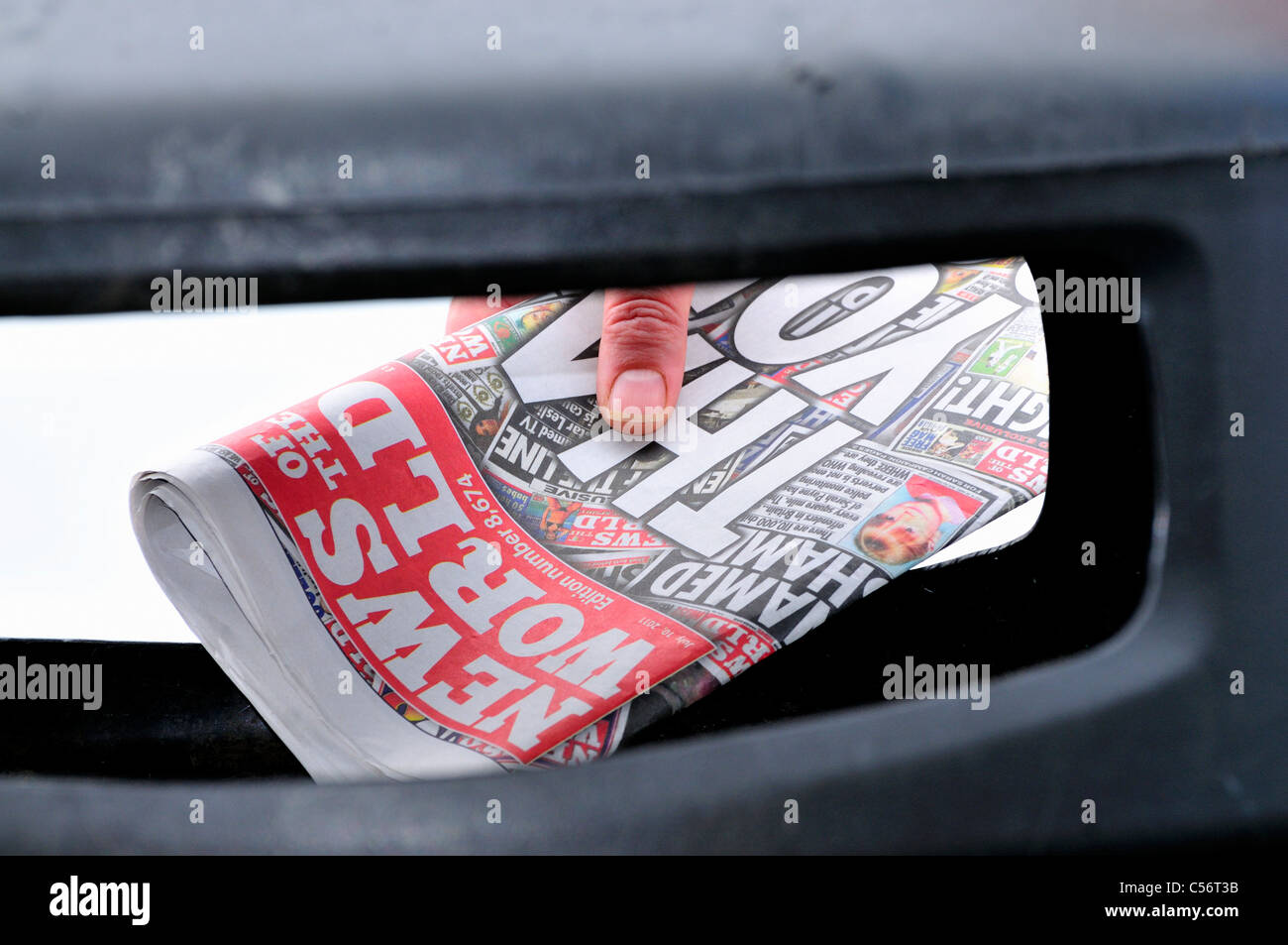 Last edition News of the World  ,Trashed,thrown away ,binned ,Confined to the bin, front page , - Stock Image