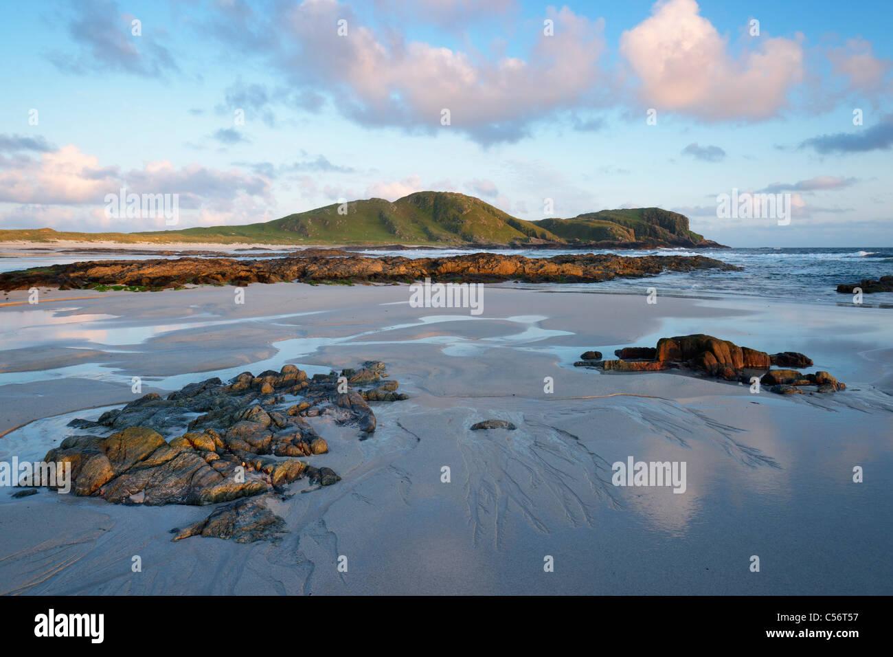 Beinn Ceann a Mhara from Traigh nan Gilean, near Barrapol, Tiree, Argyll, Scotland, UK. - Stock Image