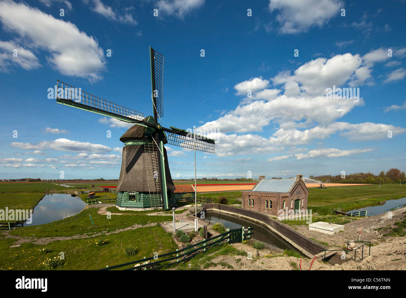 The Netherlands, Oosterdijk, Water pumping station near lake called Markermeer. - Stock Image