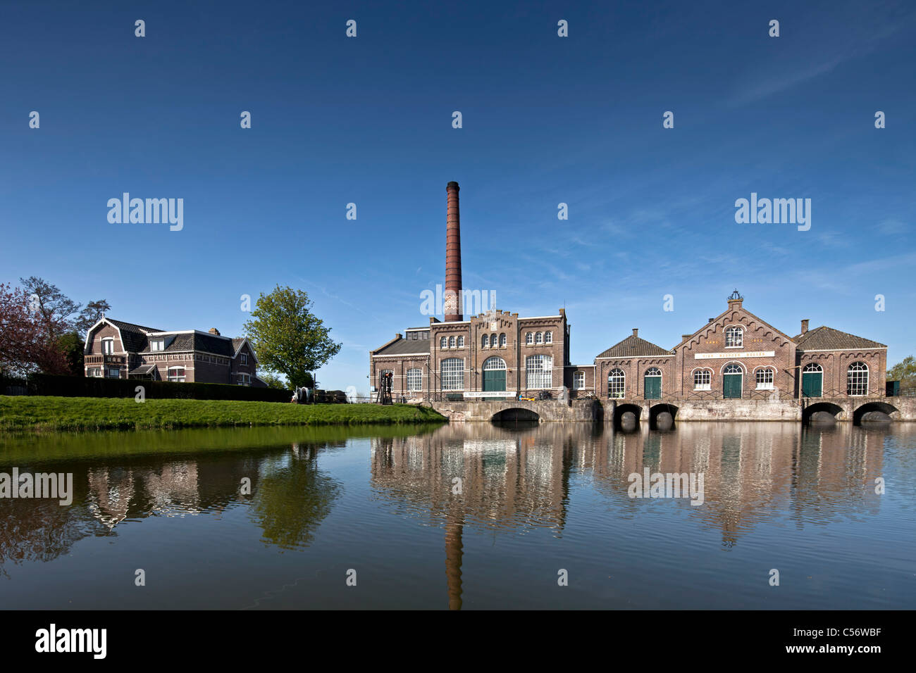 The Netherlands, Medemblik, Former pumping station pumping water from polder into lake called IJsselmeer. Now museum. - Stock Image