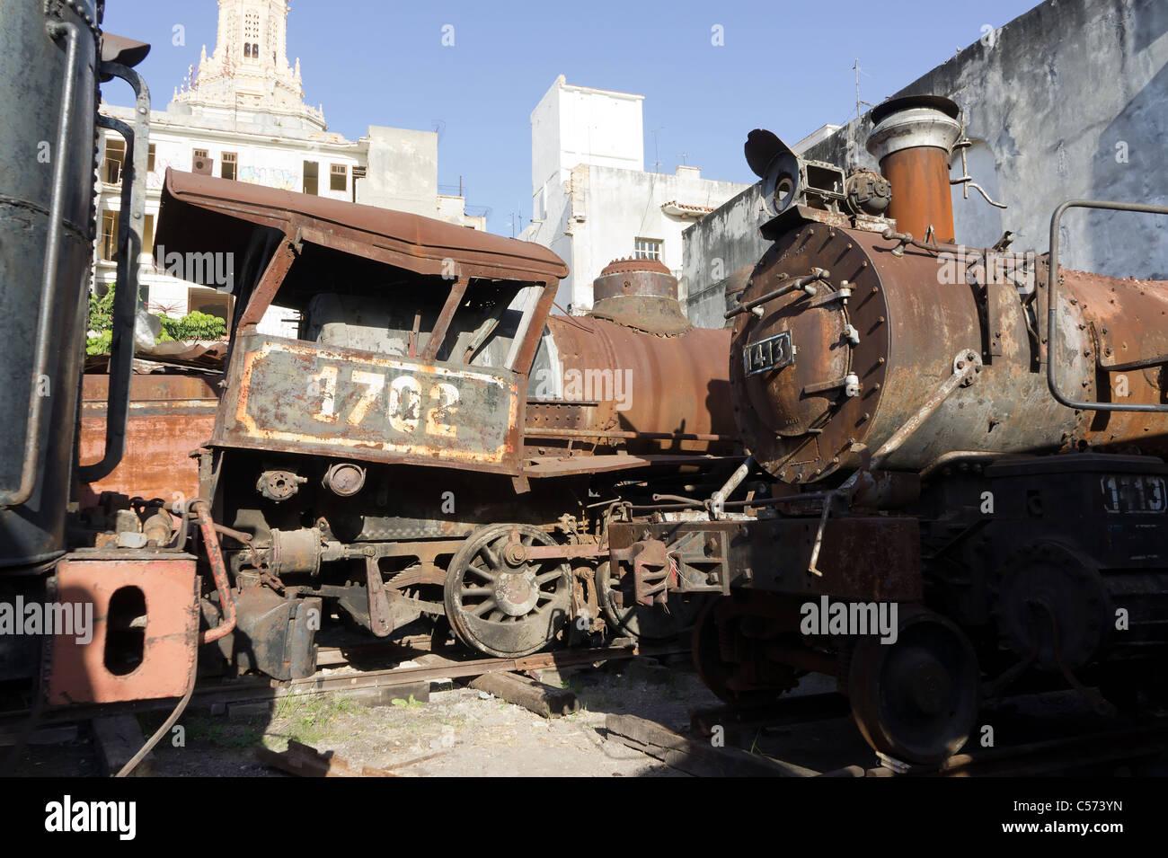 Rusty steam locomotives awaiting restoration, Havana, Cuba - Stock Image