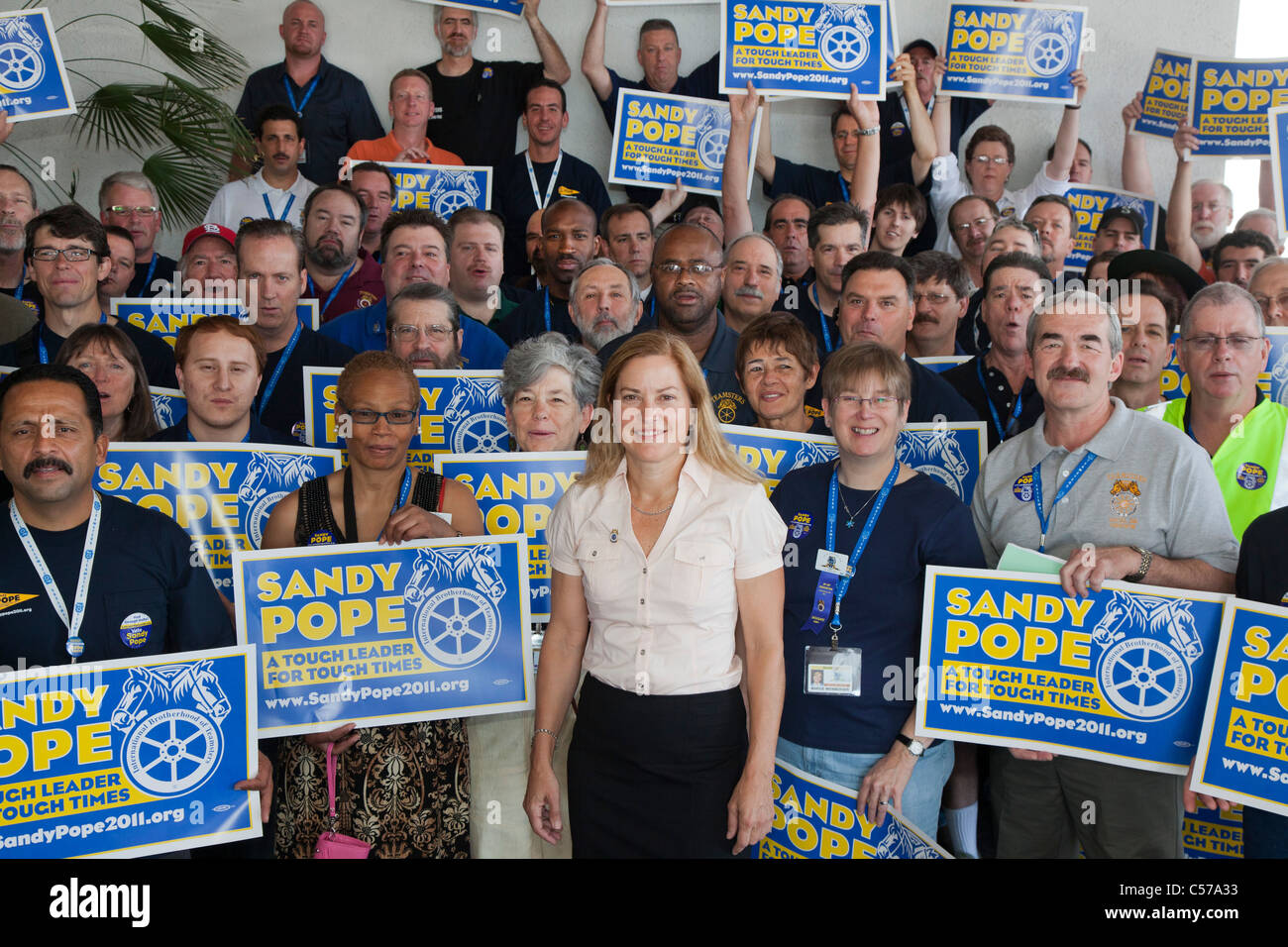 Teamster Reform Presidential Candidate Sandy Pope with Supporters - Stock Image