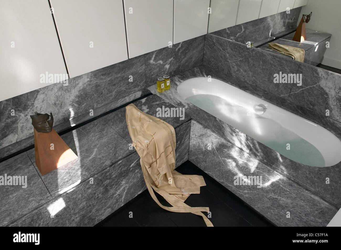 Contemporary Bathtubs Stock Photos & Contemporary Bathtubs Stock ...