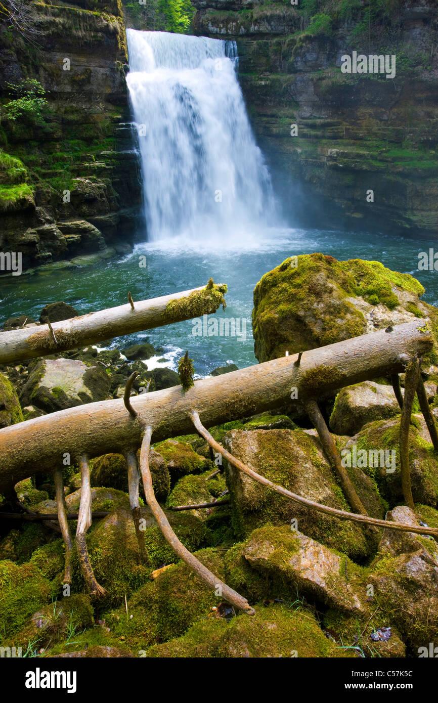 If there makes a mess you Doubs, Switzerland, Europe, canton Neuenburg, Neuenburg Jura, river, flow, Doubs, waterfall, - Stock Image