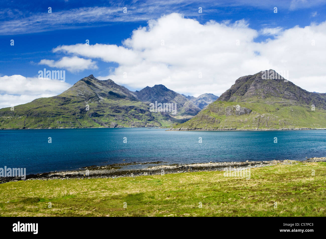 Cuillins over Loch Scavaig, Isle of Skye, Scotland, UK. Gars-bheinn on left, Sgurr na Stri on right. - Stock Image