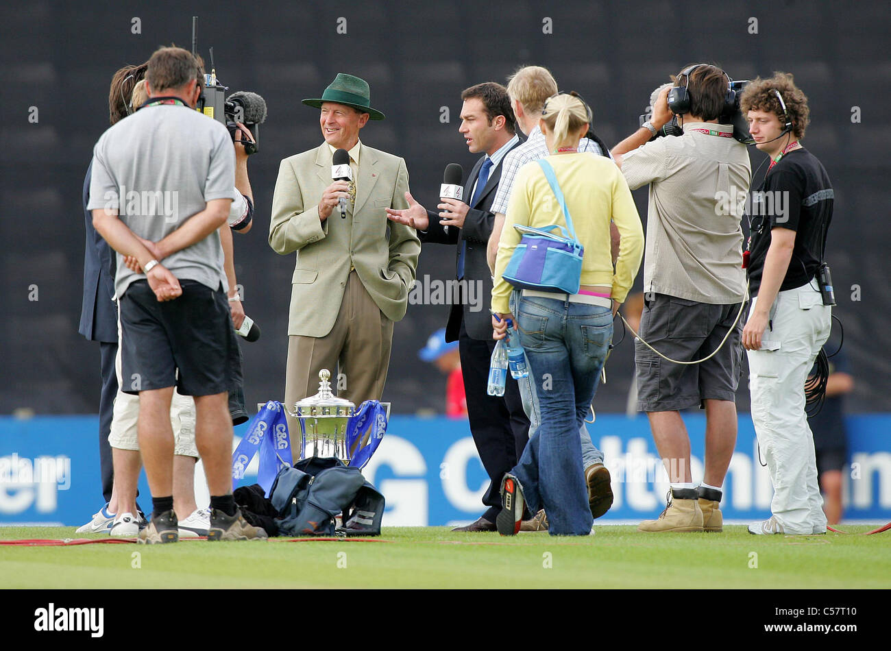 Former England and Yorkshire Cricketer Geoffrey Boycott at the Rose Bowl. Picture by James Boardman. - Stock Image