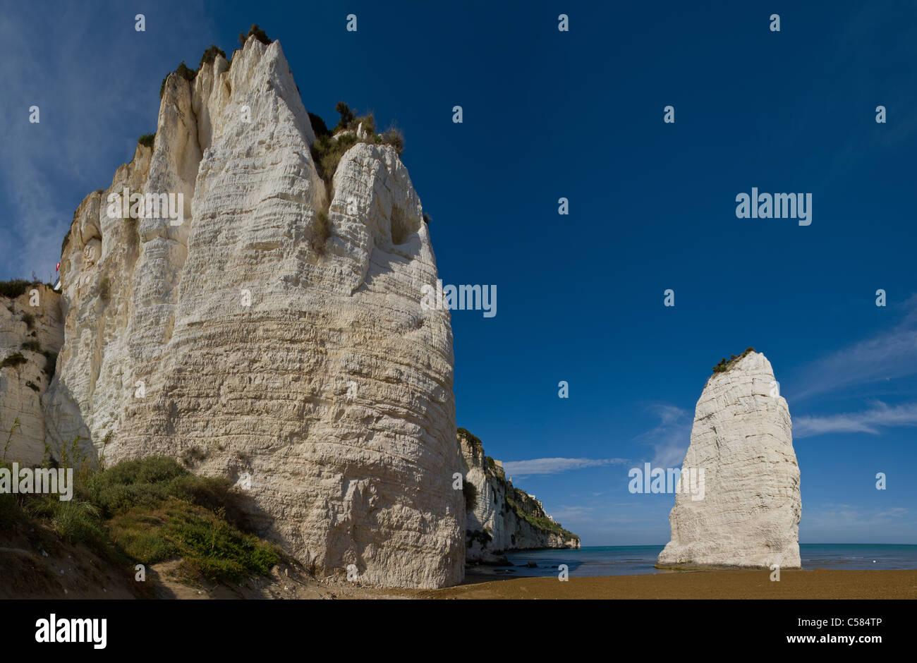 Italy, Europe, Limestone rocks, Vieste, Gargano, Puglia, landscape, spring, beach, sea, - Stock Image