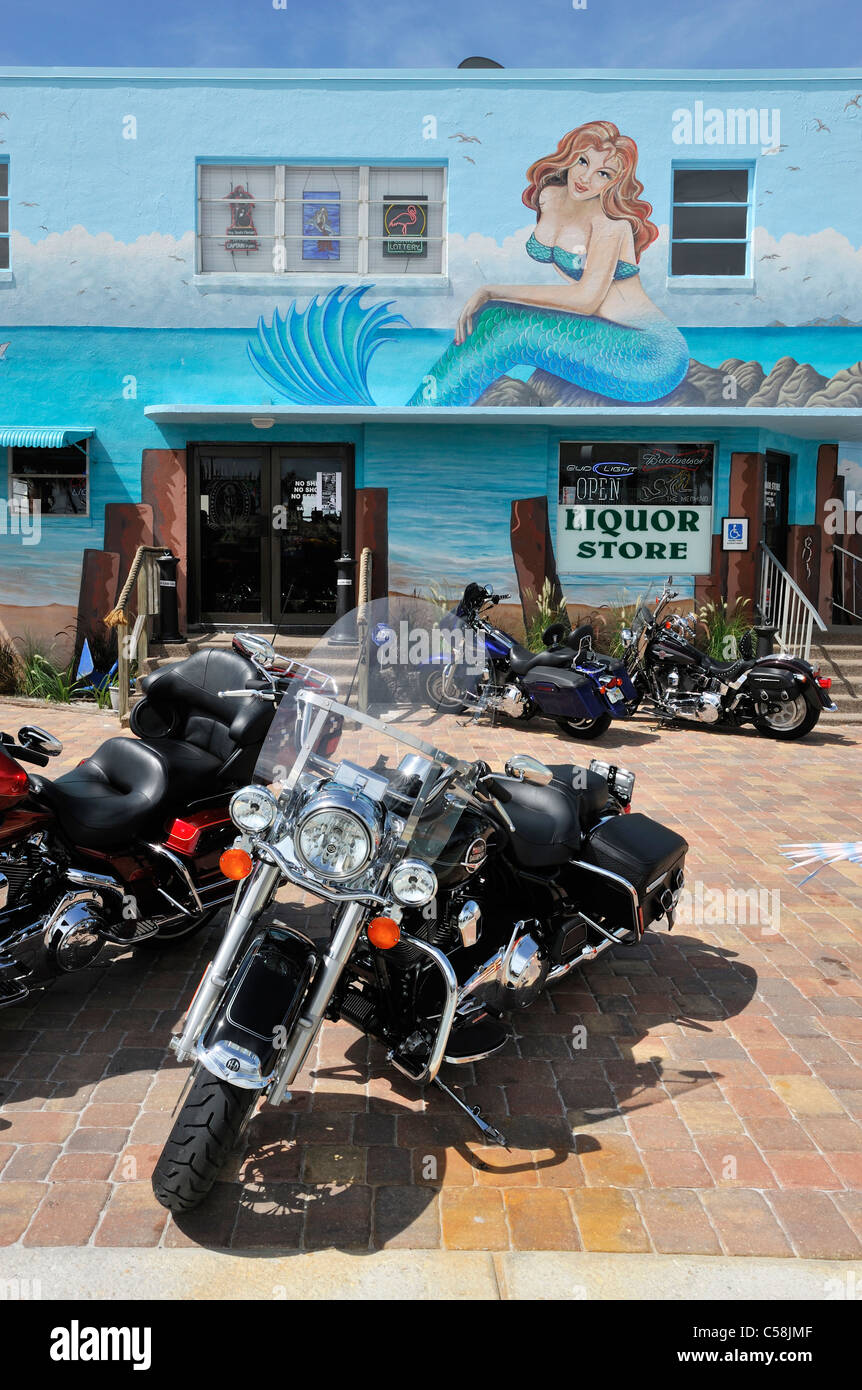 Motorbikes, Liquor Store, Mermaid, Mural, Fort Myers Beach, Florida, USA, United States, America, bikes - Stock Image