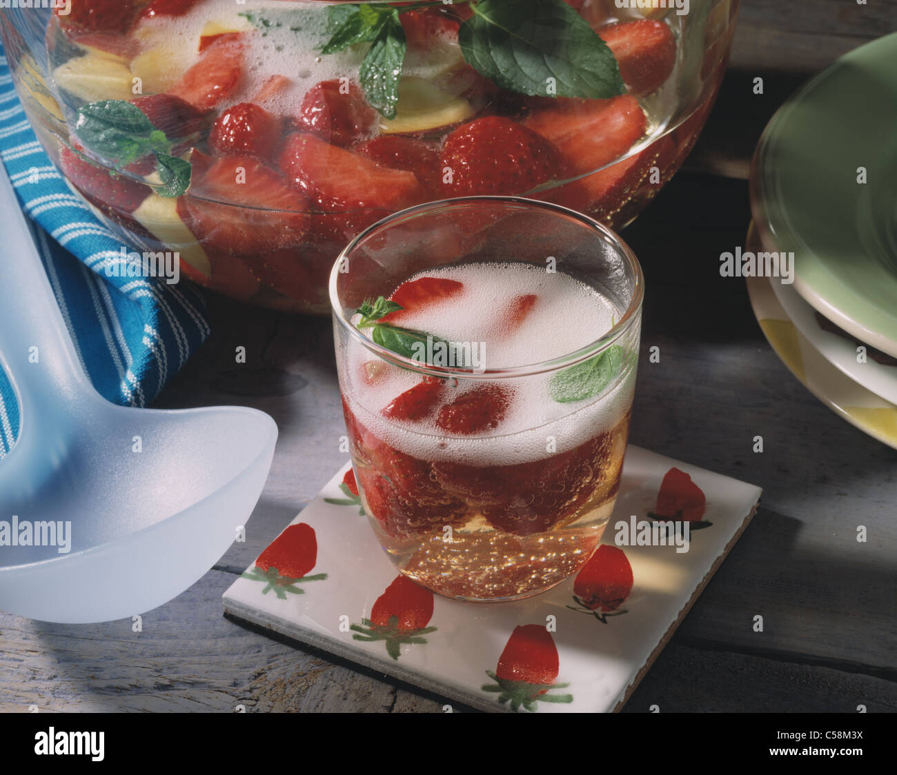 Strawberry Peach Wine Cooler Stock Photo 37685422 Alamy