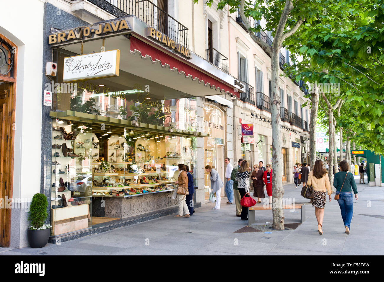 Shopping on Calle de Serrano in the Salamanca district, Madrid, Spain - Stock Image