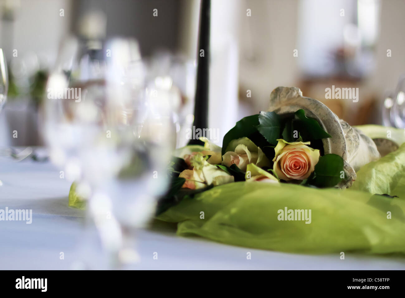 table decoration with roses - Stock Image
