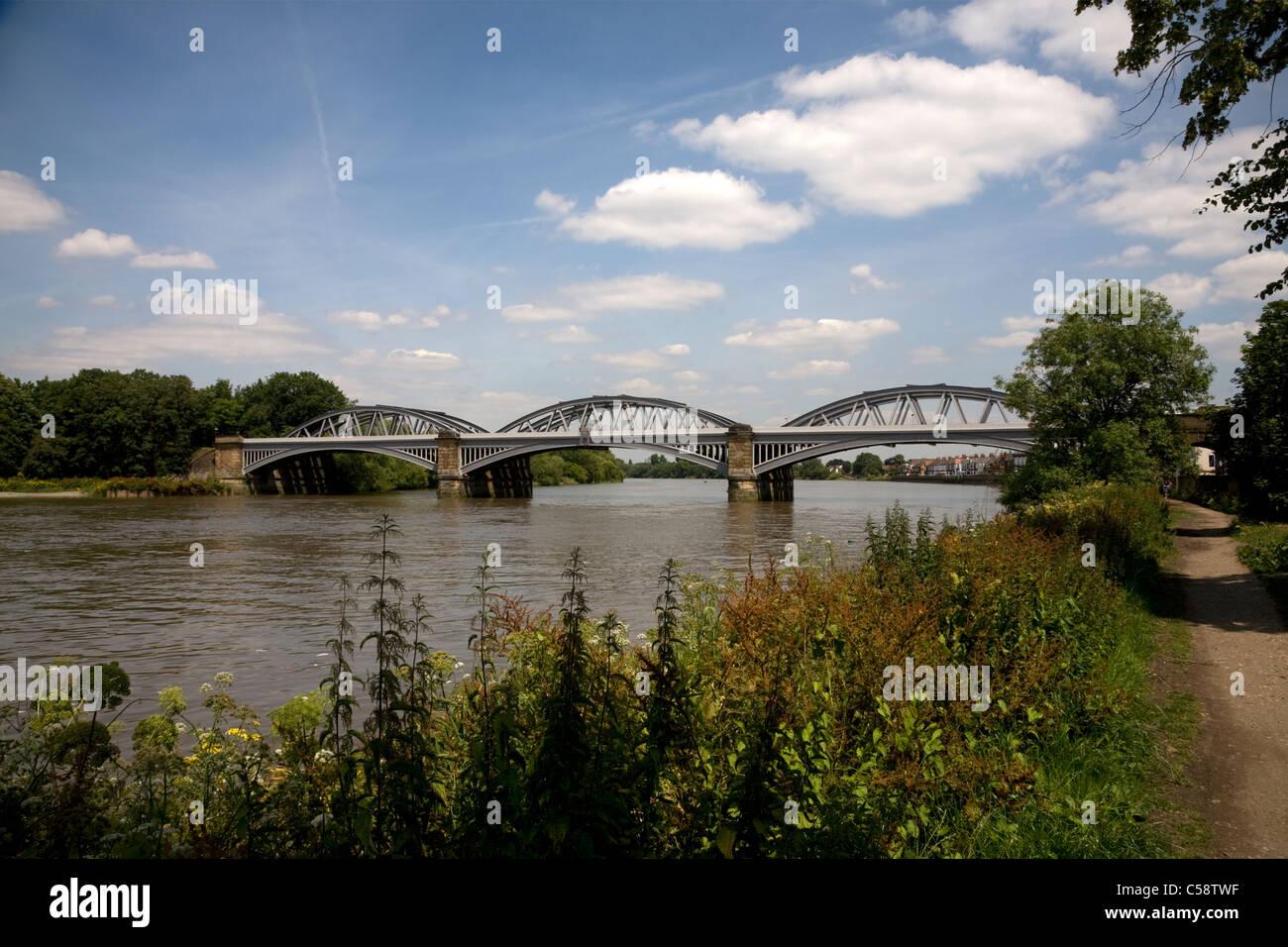 river thames barnes railway bridge london Stock Photo