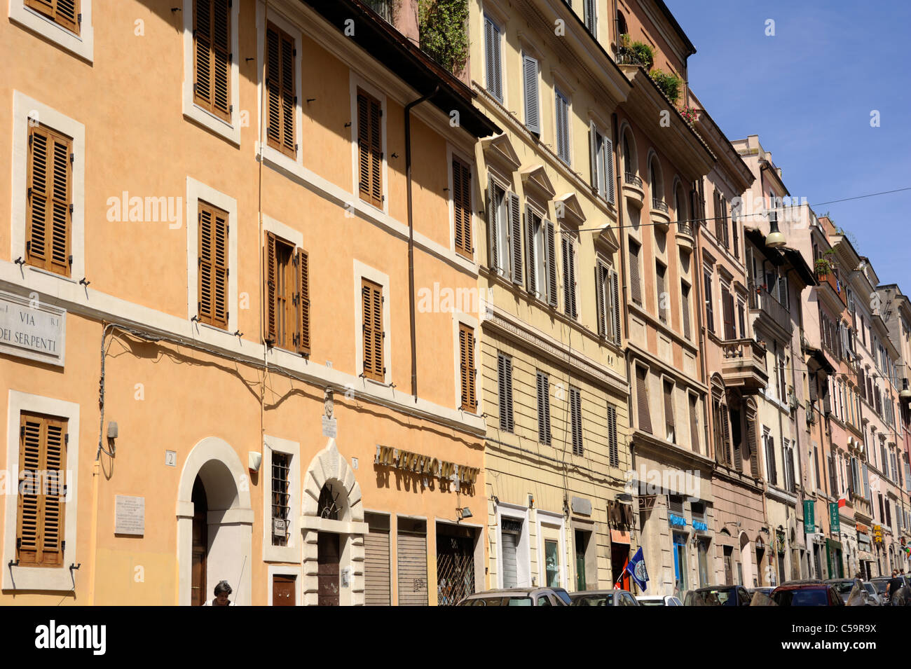 italy, rome, monti neighbourhood, via dei serpenti - Stock Image