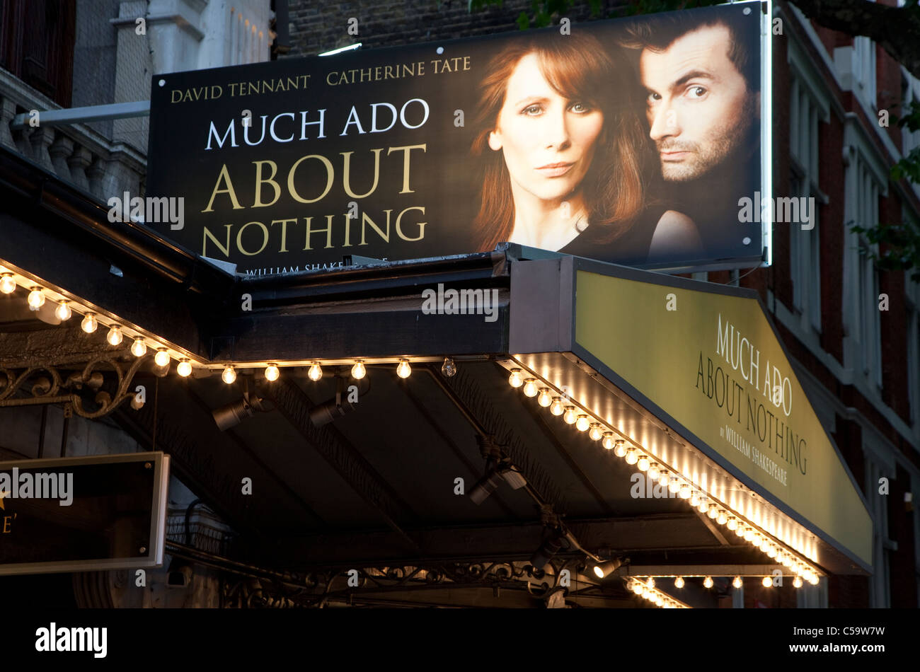 Much Ado About Nothing with Catherine Tate and David Tennant at Wyndham's Theatre, London - Stock Image