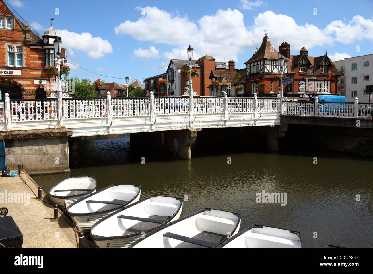 Bridge carrying High Street over River Medway, Tonbridge, Kent , England - Stock Image