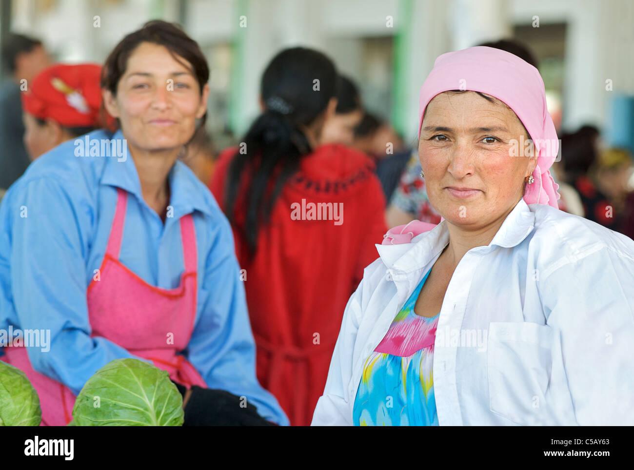 Portrait of market vendor, Samarkand market, Uzbekistan - Stock Image