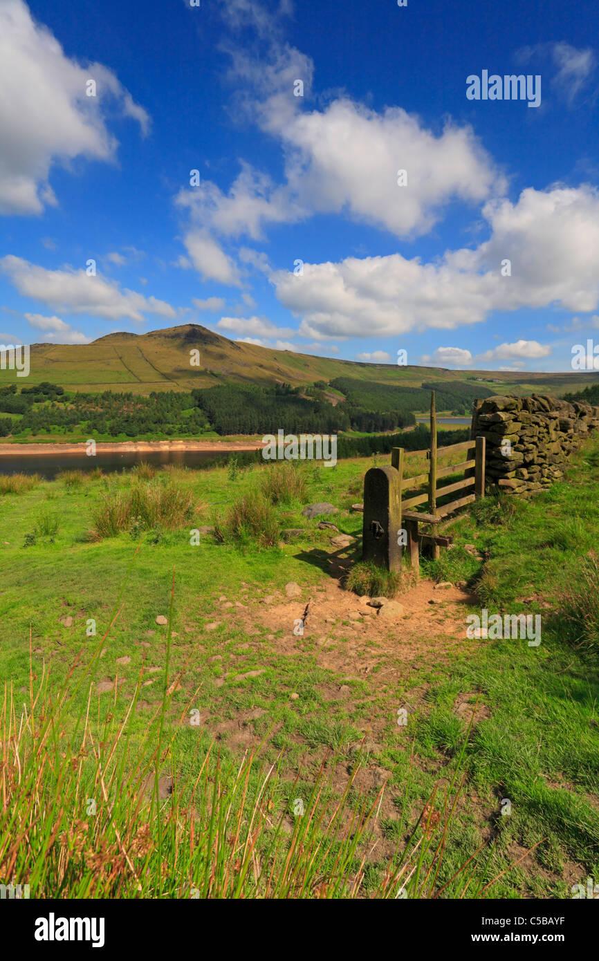 Alderman's Hill above Dovestone Reservoir, Greenfield, Saddleworth, Oldham, Greater Manchester, Peak District - Stock Image
