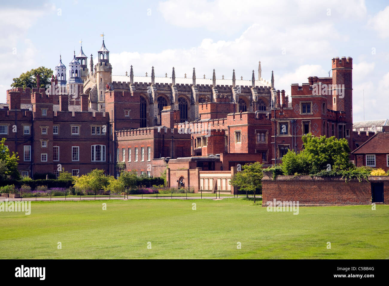 Buildings and playing fields of Eton College, Berkshire, England - Stock Image
