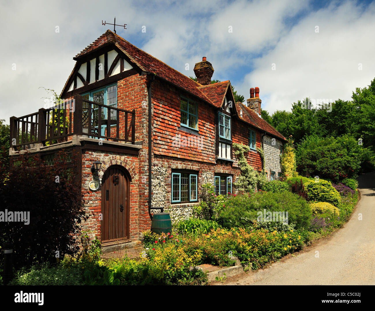 Traditional English country cottage. - Stock Image